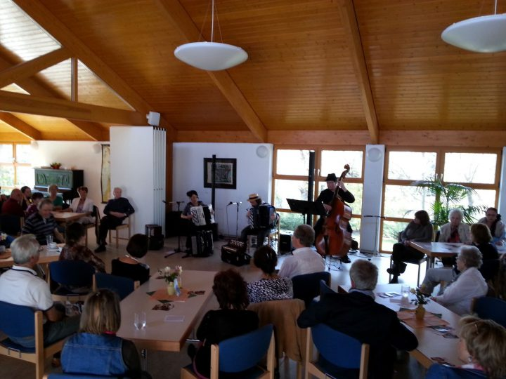 Café-Konzert mit Tangomusik